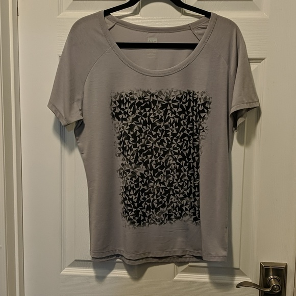wool blend t-shirt, excellent for travel